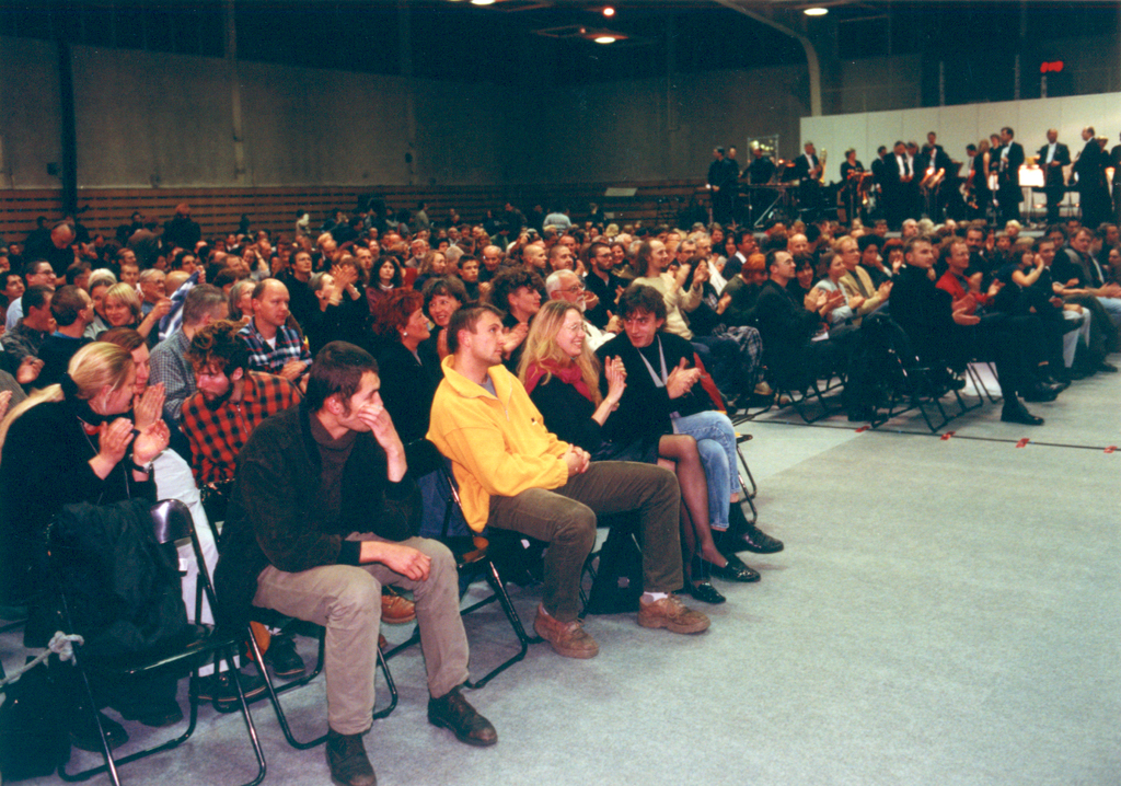 Warsaw Autumn 2000, Audience in the Legia Sports Club's Hall, photo by Jan Rolke