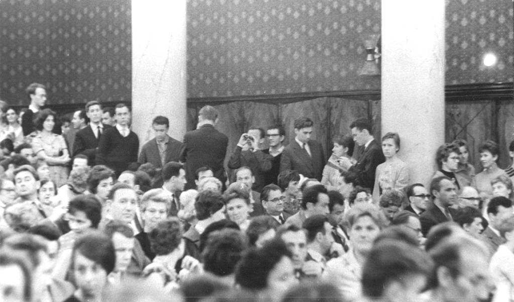The audience in the National Philharmonic Chamber Hall (1961), photo by Andrzej Zborski