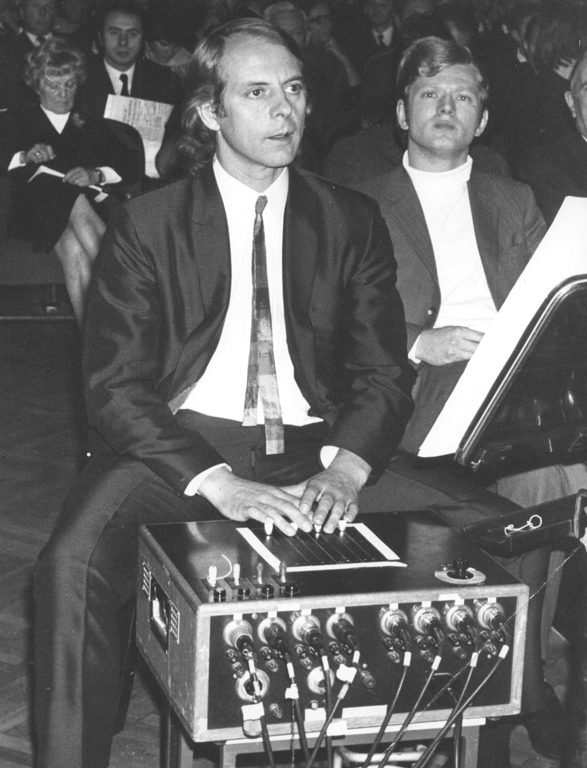 Karlheinz Stockhausen operates the electronic equipment in his Mixtur on 26 September 1970, photo by Andrzej Zborski