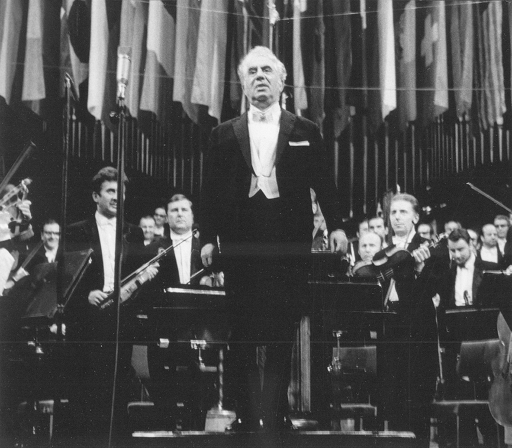 Aram Khachaturian after the performance of his Symphony no. 2 on 24 September 1972, photo by Andrzej Zborski